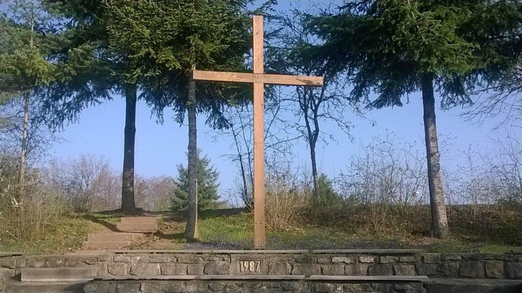 Kreuz in der Gottesdienst-Arena